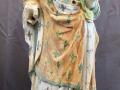 Le corps de la statue de la vierge en cours de nettoyage