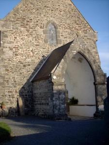 Notre-Dame de Savigny - le Porche du XVIIème siècle