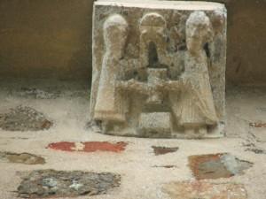 Notre Dame de Savigny Modillon