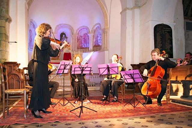 Vue du Quintette dans le choeur de l'église