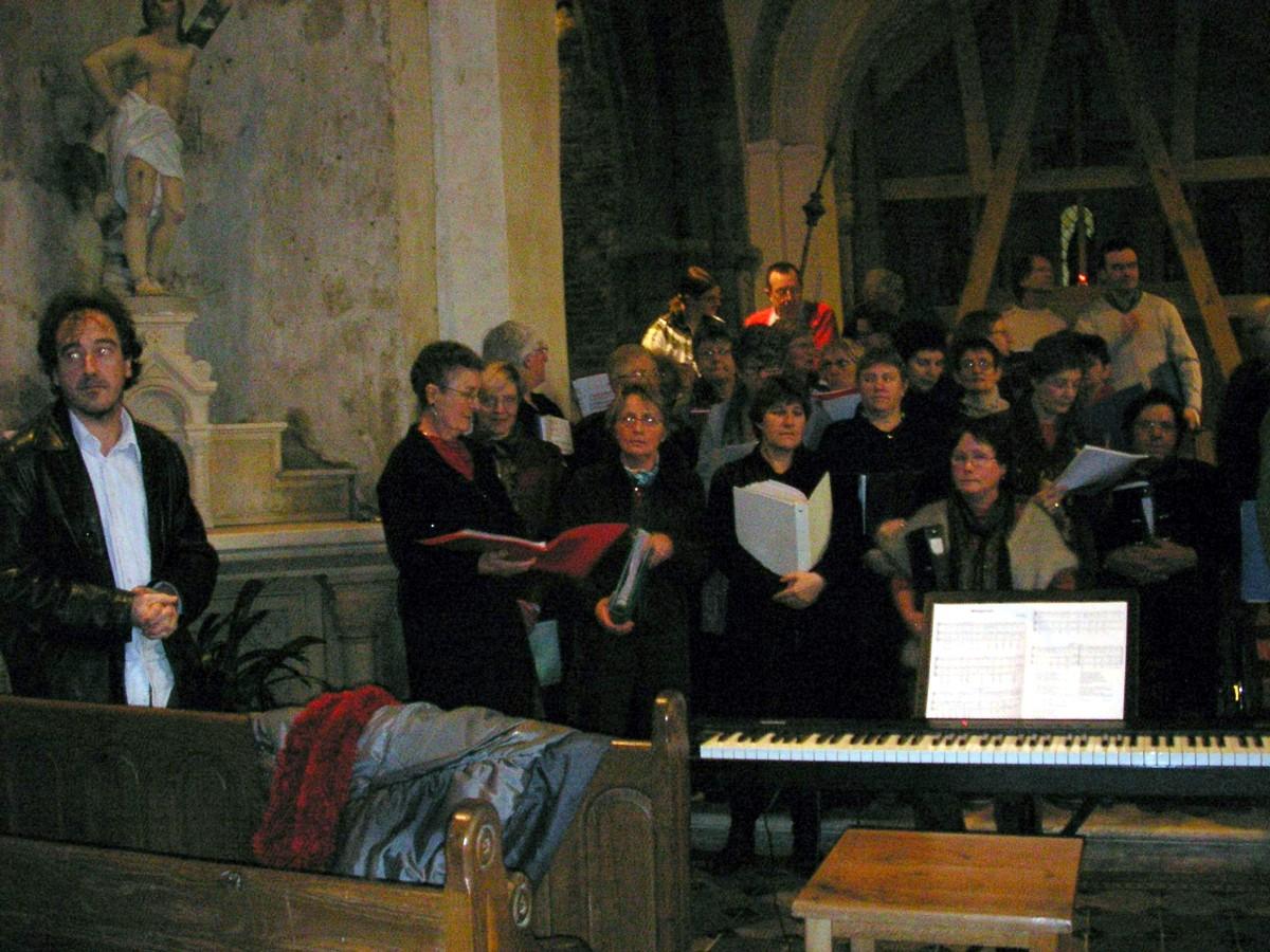 La chrale de Cerisy en concert à Savigny