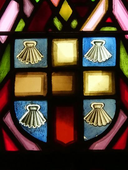 Savigny - détail de vitrail Blason de la familleMichel