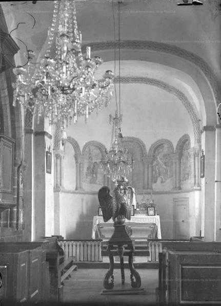 Savigny - Aigle Lutrin - photo ancienne du Choeur